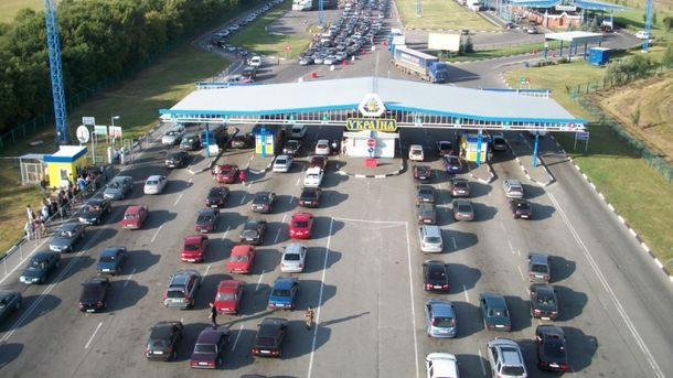 На украинском-польской границе снова очереди из автомобилей