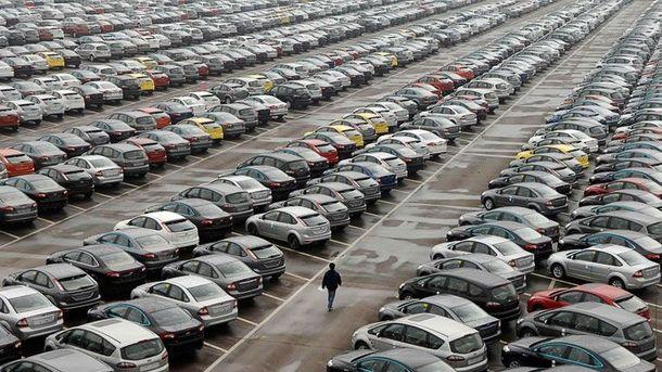 Українці ввезил понад 1300 автівок