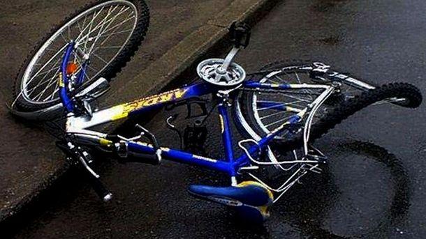 Група велосипедистів потрапила в ДТП