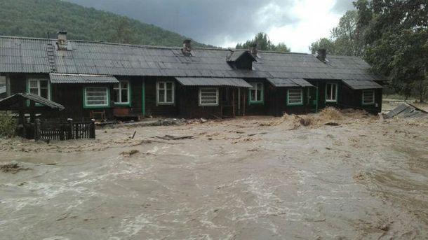 Три села повністю затопила вода