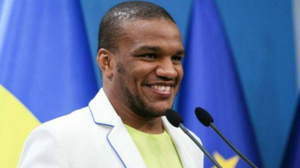 Беленюк упрекнул Порошенко за бизнес в России