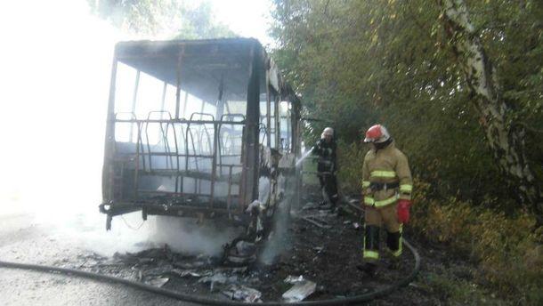 Спасатели час боролись с пожаром