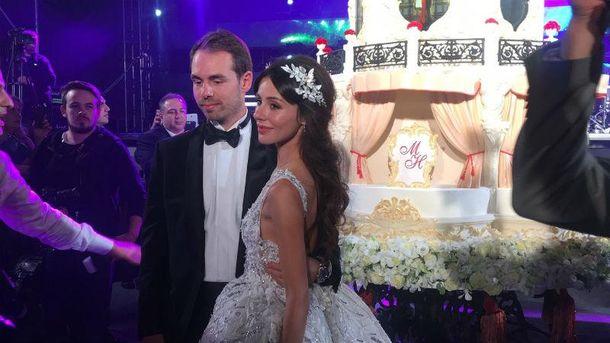 Галкин, Брежнева иКиркоров провели грандиозную свадьбу вусадьбе