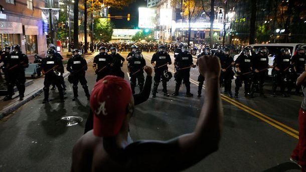 Протесты в Шарлотт не прекращаются