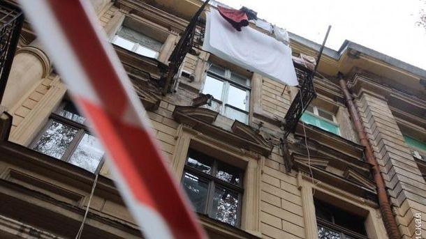 Обвал балкону в Одесі: жінка померла у лікарні