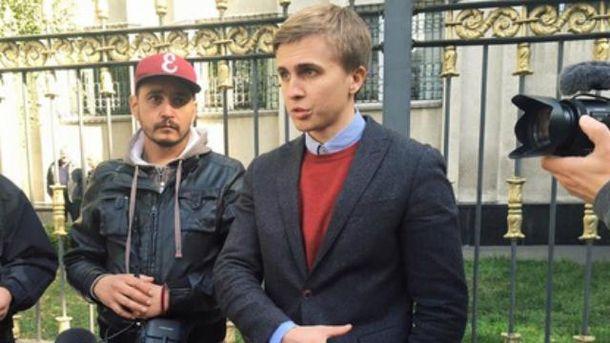 Неизвестные с оружием угрожали журналистам