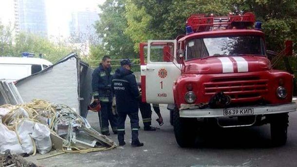 Во время возгорания в школе, спасатели эвакуировали 600 детей