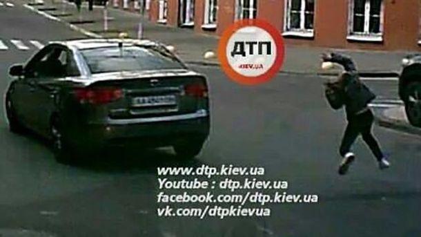 Водій Kia Cerato збив дівчинку