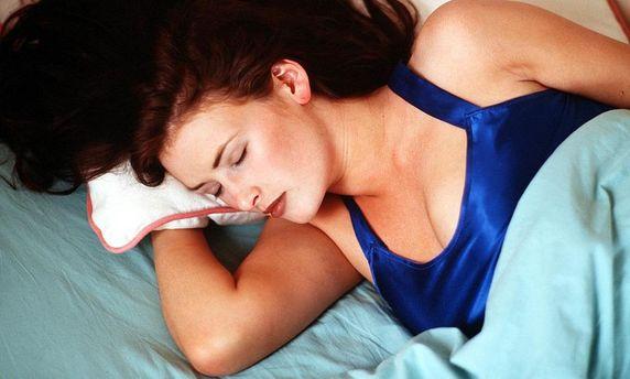 Женщинам нужно спать дольше