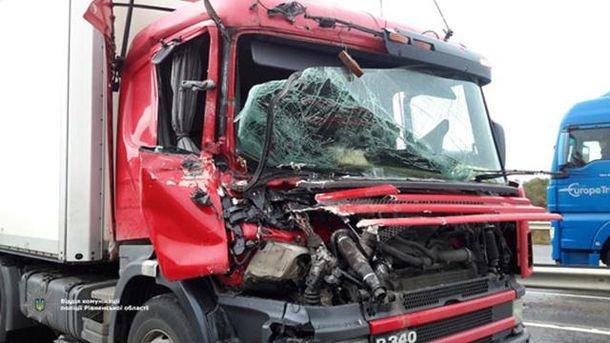 Военный грузовик столкнулся с фурой
