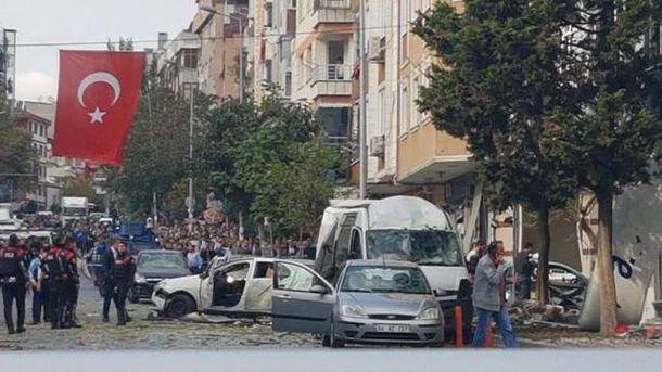 Взрыв прогремел в Стамбуле