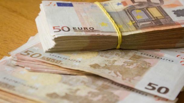 Євро дорожчає