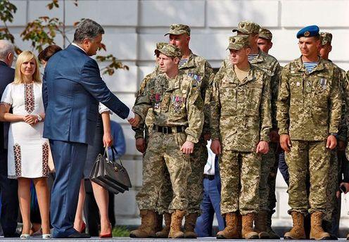 Петро Порошенко та українські військові