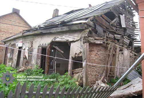 Аварійний будинок
