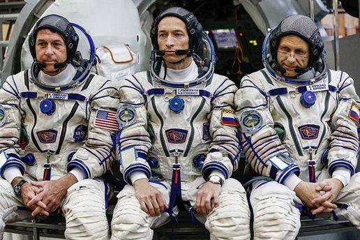 Астронавты России и США