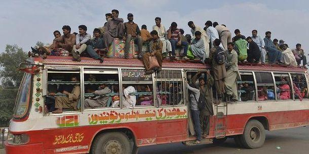 Автобус в Пакистані