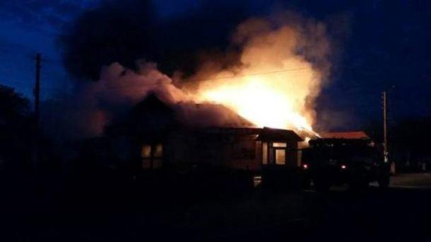 После взрыва в магазине начался пожар