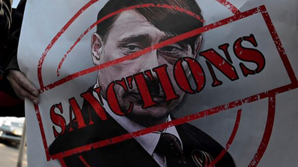 На думку Порошенка, санкції проти Росії треба посилити