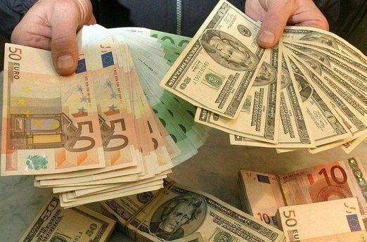Евро и доллар дешевеют