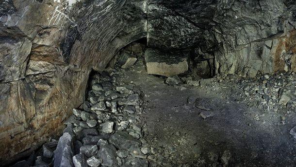 Печера завалилася під час церемонії святкування Дня всіх святих