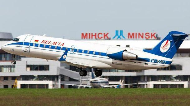 Білоруський літак змусили повернутись до