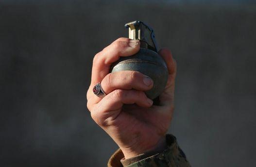 Хлопець підірвав себе гранатою біля будівлі сільради