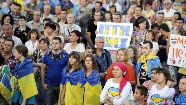 Обнародованные е-декларации вызывают в украинцев раздражительность