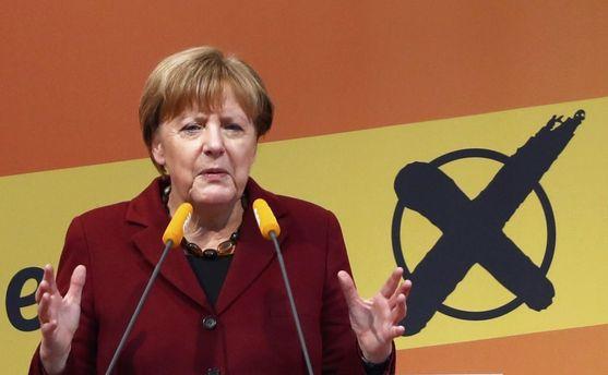 Меркель возможно будет вынуждена ослабить риторику в отношении России