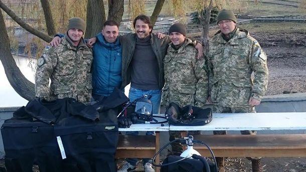 Сергей Притула рядом с украинскими военными