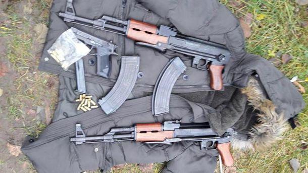 У банди вилучили цілий арсенал зброї