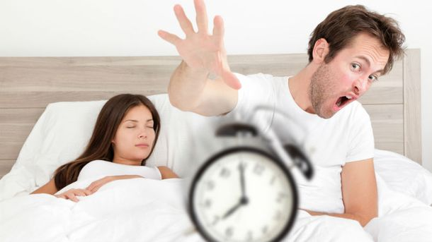 Любите переводити будильник? – експерти розповіли, чому це небезпечно