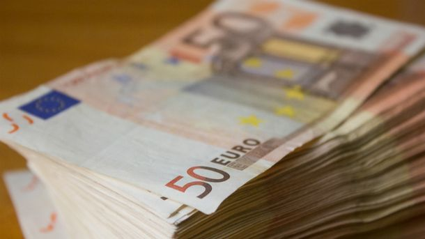 Долар і євро суттєво здали позиції