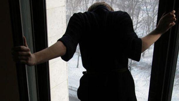 Девушка болела анорексией (иллюстрация)