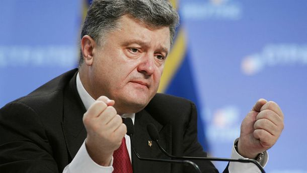 Президента допитували у справі Євромайдану