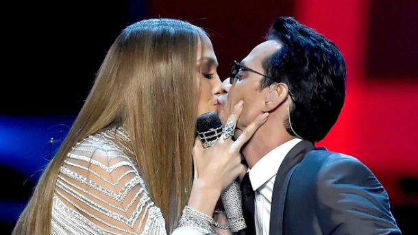 Для Джей Ло не проблема целоваться с бывшим