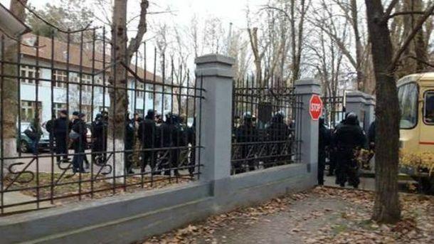 Неизвестные устроили погром на Одесской таможне