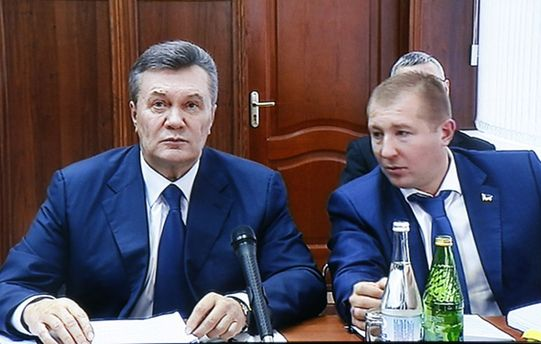 Виктор Янукович с адвокатом