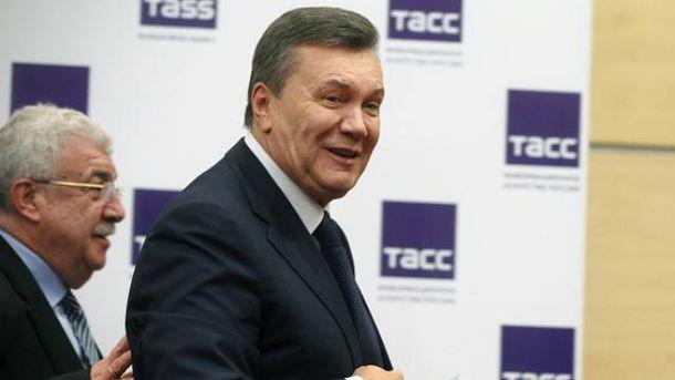 Після допиту Янукович навіть розщедрився на прес-конференцію
