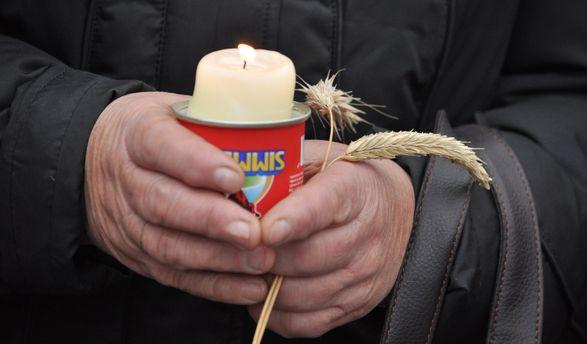 Украинцы чтят память жертв Голодомора