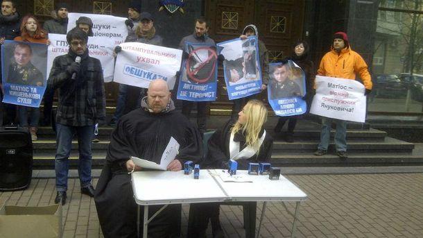 Говорят, суды начали штамповать дела на активистов