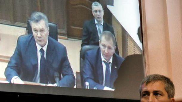 Янукович имеет свою версию об оружии на Майдане