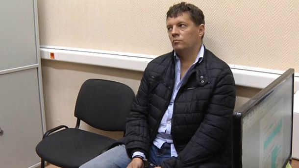 Українського священика до Сущенка не впустили