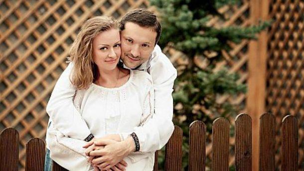 У дружини Стеця тепер аж два пістолети від міністрів