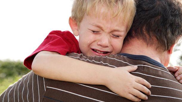 Чоловік за незаконне вивезення дитини намагався дати хабара