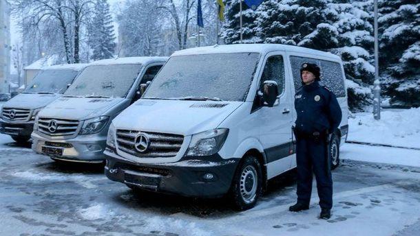 Фургоны уже укомплектованы полицейским оборудованием