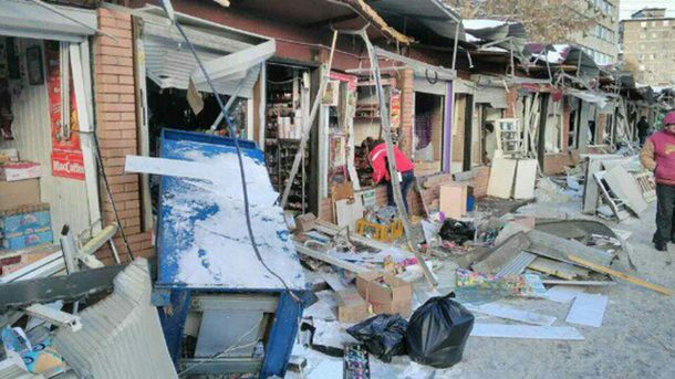 Ринок біля станції метро