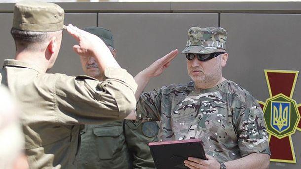 Олександр Турчинов (праворуч)