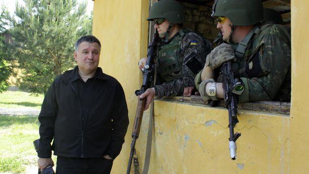 Арсен Аваков (слева)