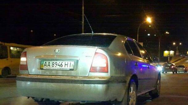 Водій автомобіля Škoda здійснив наїзд на двох малолітніх дітей.