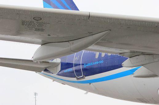 Лед на самолете